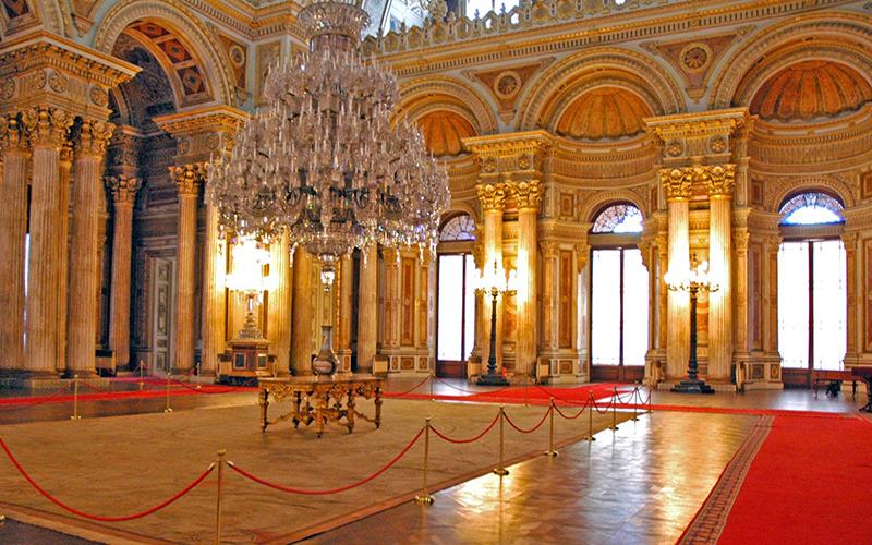 کاخ دلما باهچه